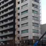 文京区本郷:ビル外壁工事に伴う袖看板撤去