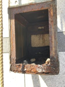 豊島区東池袋レンタルスタジオの袖看板撤去工事